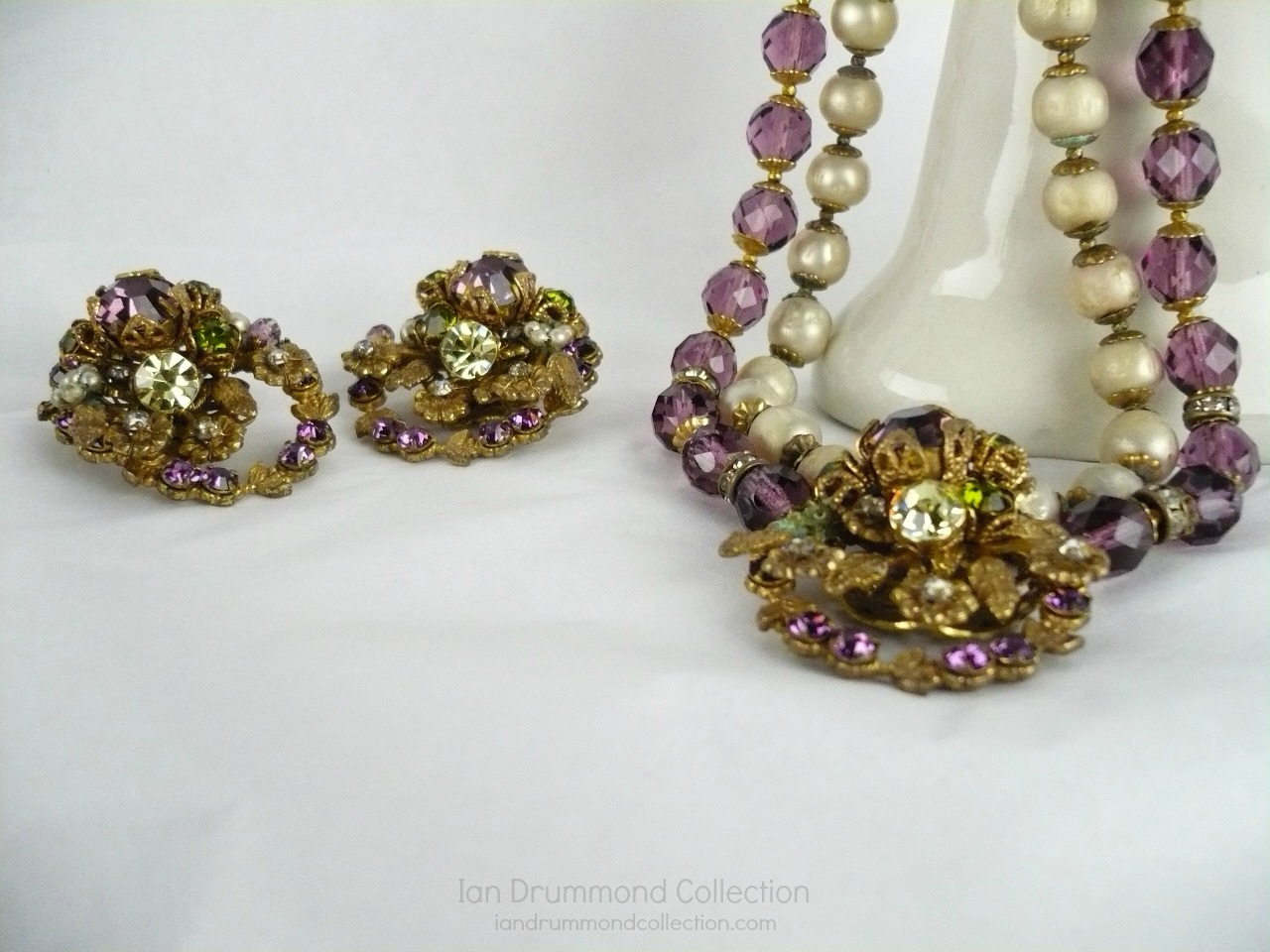 Ian Drummond Collection IDC Vintage Toronto Movie TV Wardrobe Rental jewellery 2 pc set DeMario 2