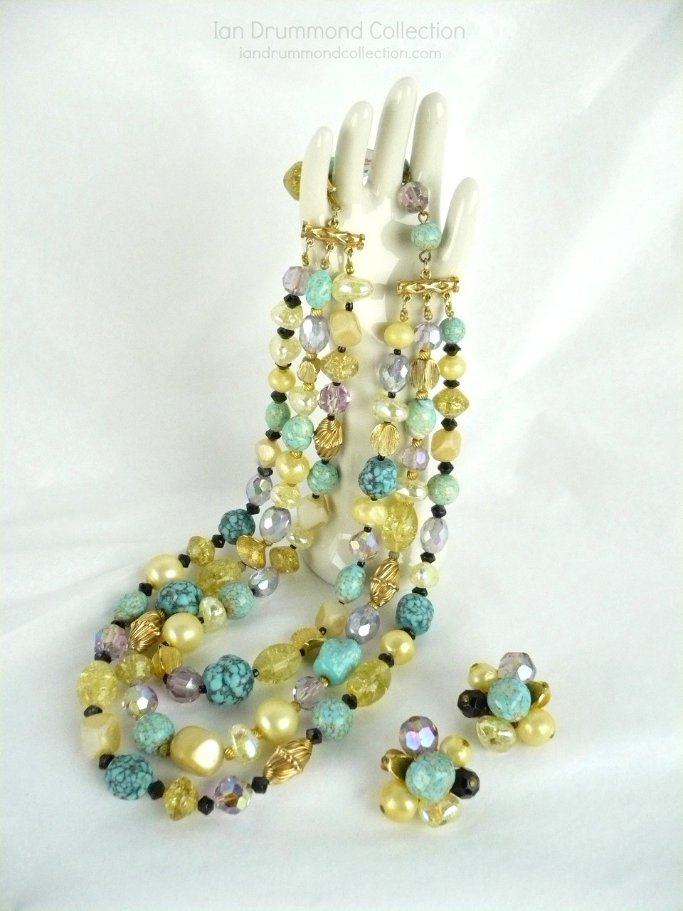 Ian Drummond Collection IDC Vintage Toronto Movie TV Wardrobe Rental jewellery 2 pc set Hattie Carnegie 3