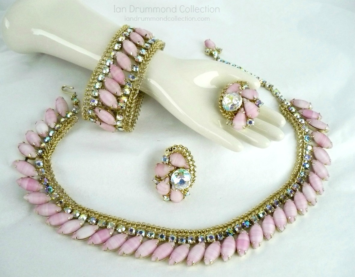 Ian Drummond Collection IDC Vintage Toronto Movie TV Wardrobe Rental jewellery 3 pc set Hobe 7