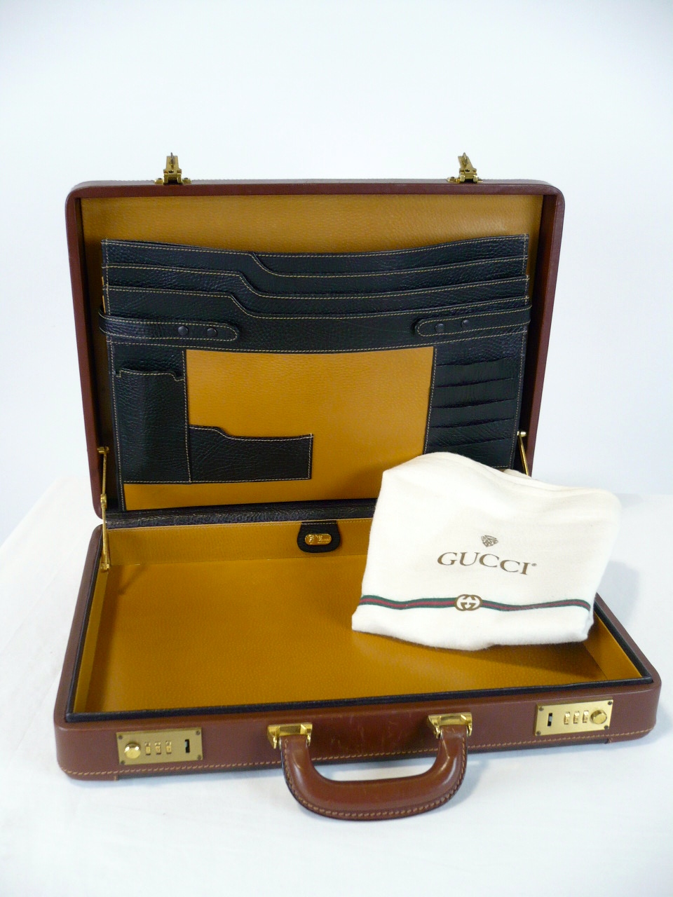 Gucci briefcase with felt bag, interior.jpg