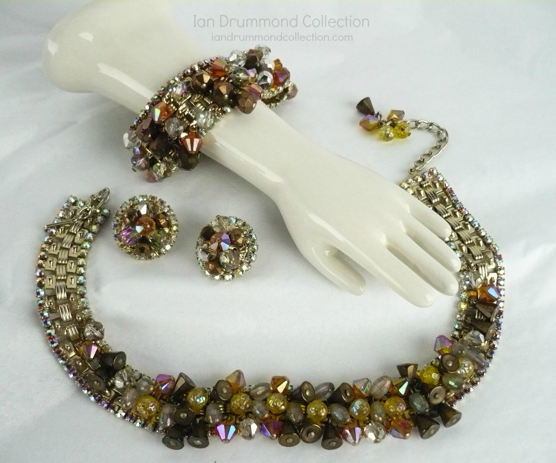 Ian Drummond Collection IDC Vintage Toronto Movie TV Wardrobe Rental jewellery 3 pc set Hobe 5
