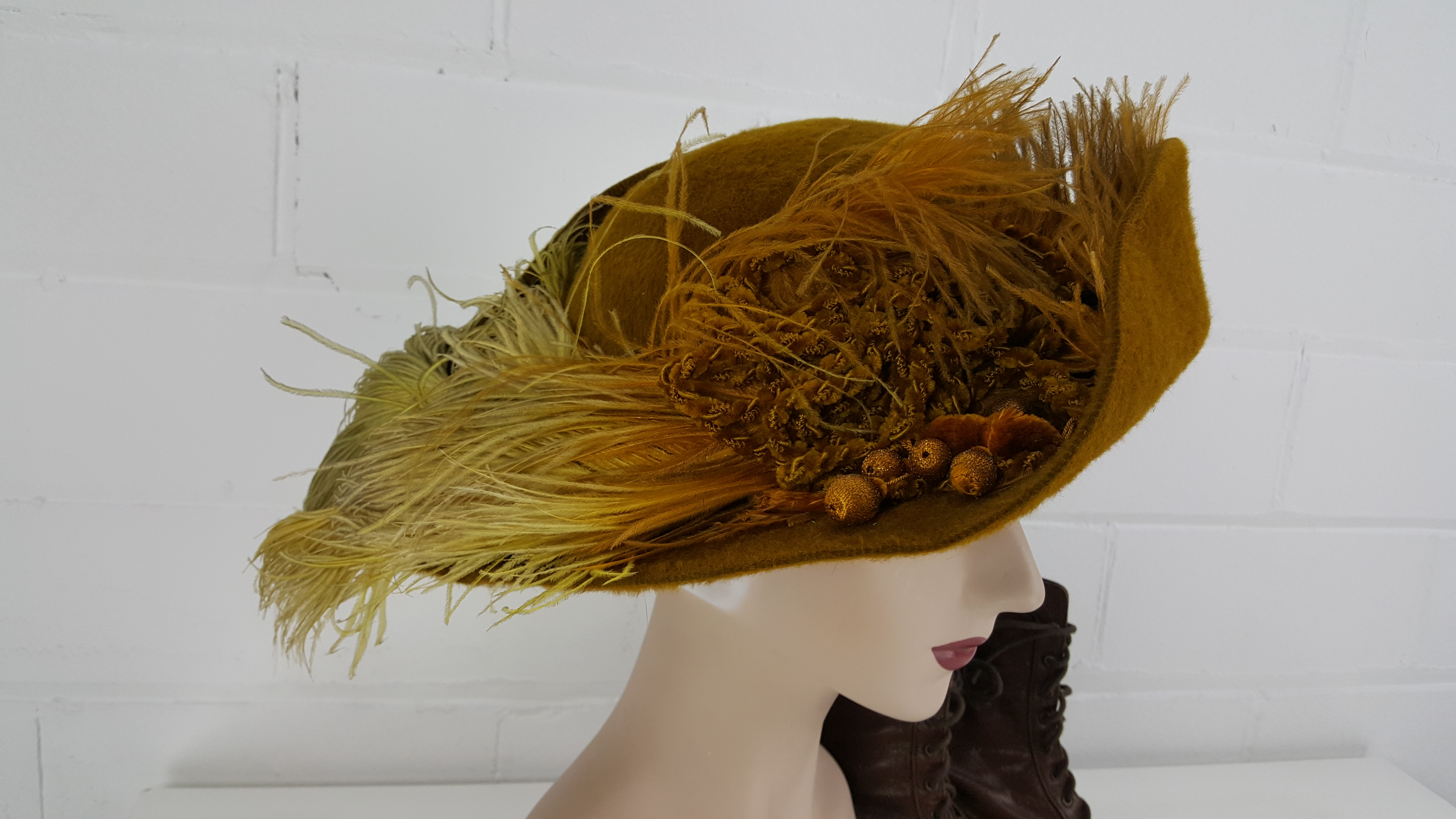 Brown-Hat